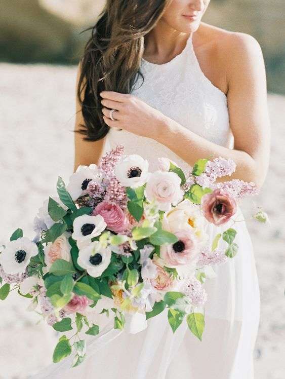 Seven Flowers Professional Florists Love Using in Spring Wedding Bouquets