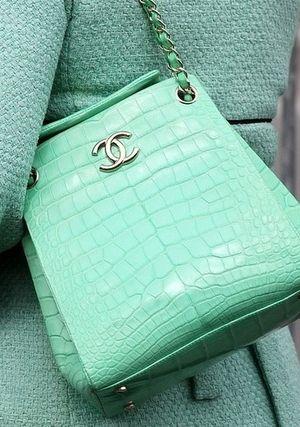 chanel - purse- bag - mint / sac à main - vert menthe