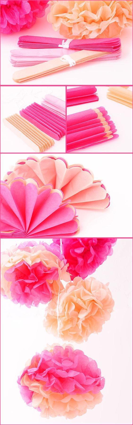 Tissue pom poms flower and brides on pinterest - Decoracion con pompones ...