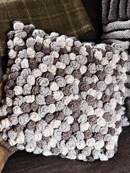 Crochet Swirl Cushion~ free crochet pattern: