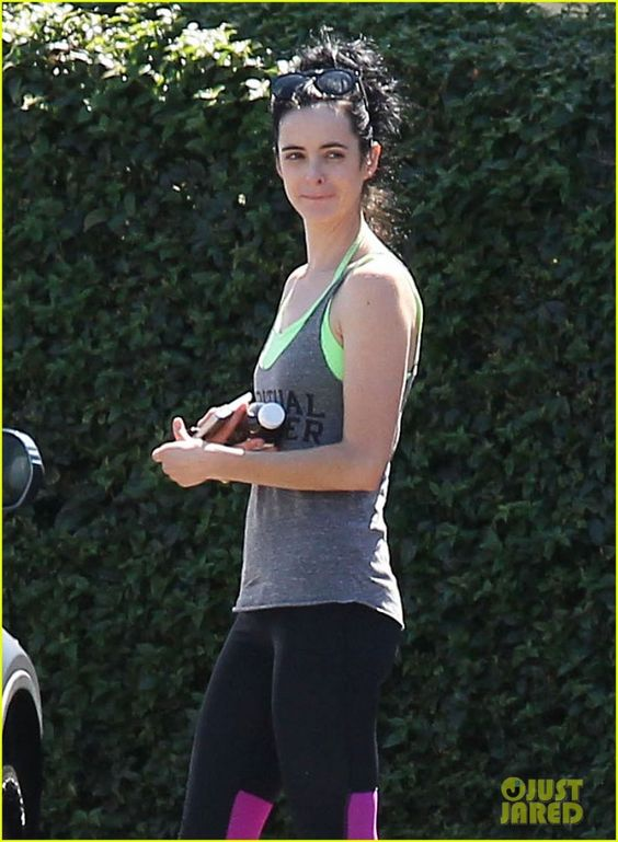 Krysten Ritter seen while walk in West Hollywood - http://celebs-life.com/?p=42226