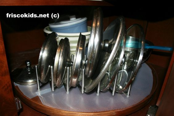 Rationell Variera to separate pot lids