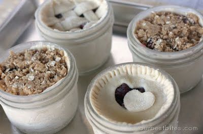 Individual-sized pies made in little glass jars that can go straight from your freezer to your oven to your mouth.: Serving Pie, Jar Pie, Single Serving, Jar Idea