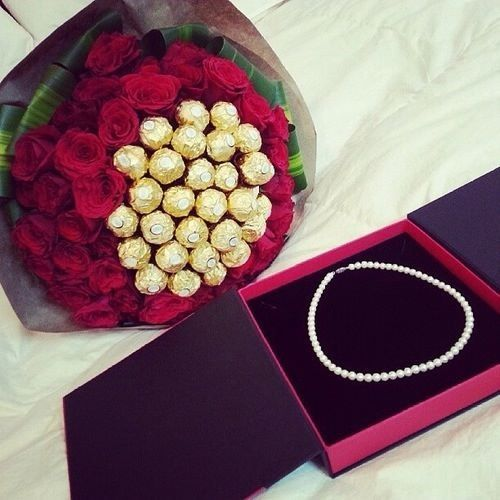 ... luxury presents luxury gifts tumblr gifts chocolate flowers chocolate