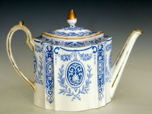 19th Century Wedgewood Teapot Blue and White and Gilt 14cm A F | eBay