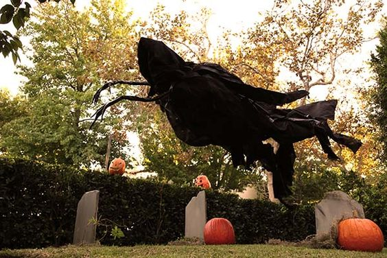 Diy Spooky Halloween Decorations Secrets From Hollywood Ux Ui Designer Yard Decorations And