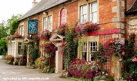 Pubs with Campsites - UK Camp Site Articles