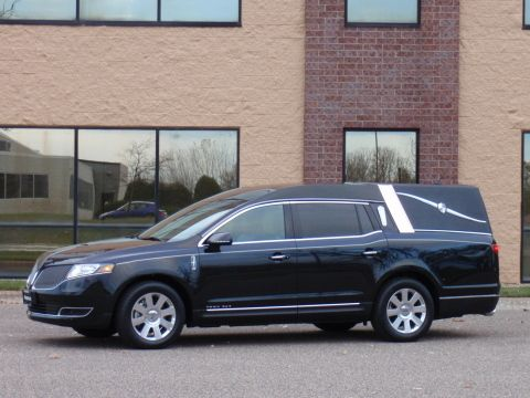 2015 Lincoln MKT Town Car Hearse by MK Coaches