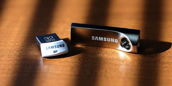 Who doesn't need an extra flash drive these days?! And at prices like these from Samsung, it's a no brainer. If you're in need of a flash drive you've waited long enough… Amazon is currently offering