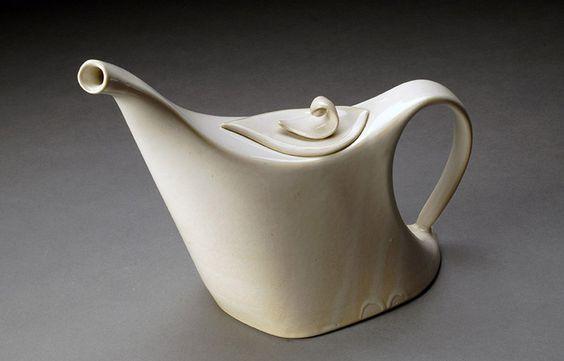 Brooke Evans Monroe NY Curvaceous Teapot 10x8x6 Porcelain, ^8 oxidation