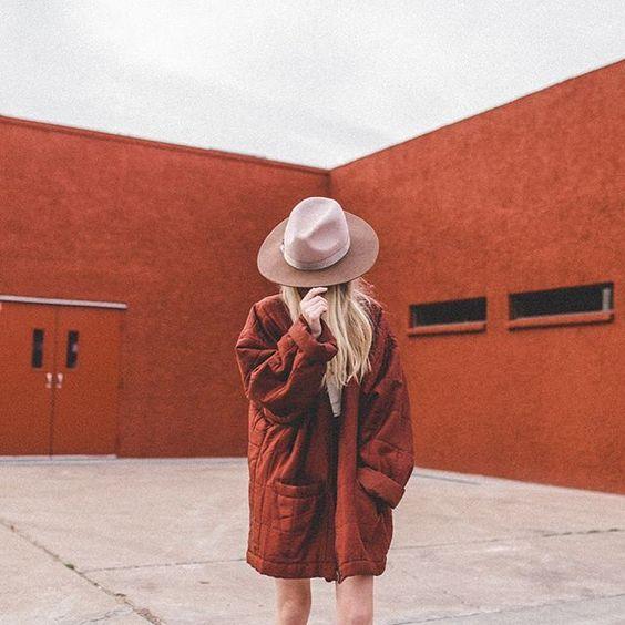 PC: @jacimariesmith  For: @shopstrand  #vintage #hat #monochromatic #color #me #shop #lackofcolor #rainyday #ftwotw