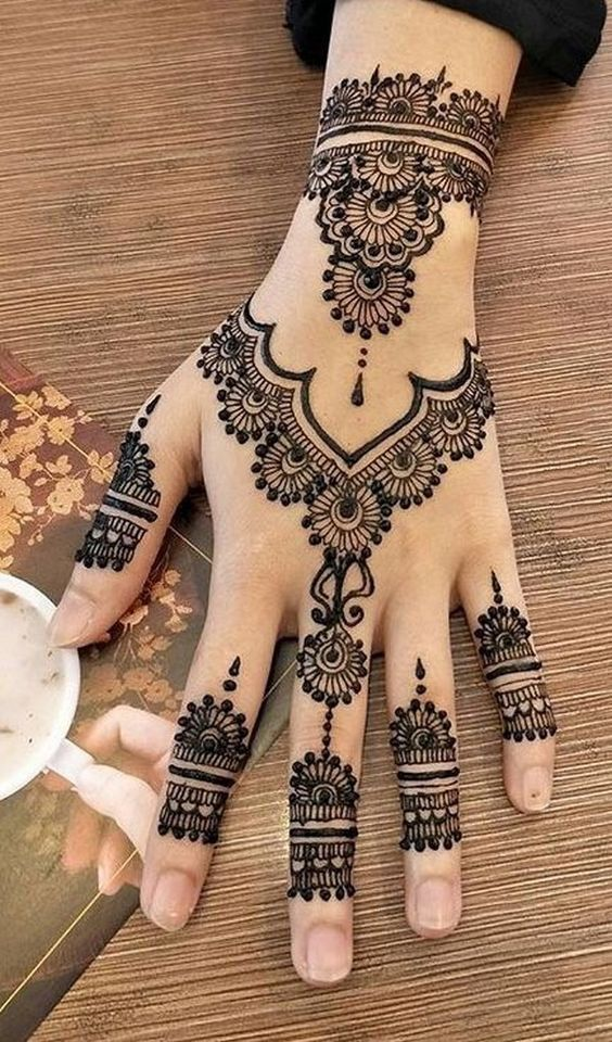 Fashion tattoo mehndi design