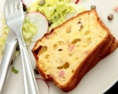 Cake au jambon et au gruyère râpé (facile, rapide) - Une recette CuisineAZ
