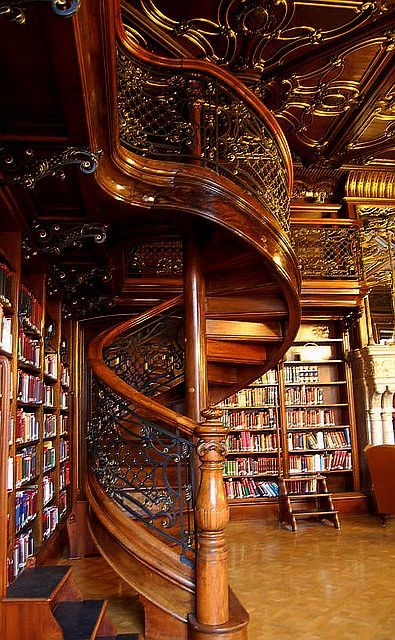 misssilv:Ervin Szabo Library, Budapest… Love the wood and iron work. The old world look showcase the books perfectly.. just gorgeous!