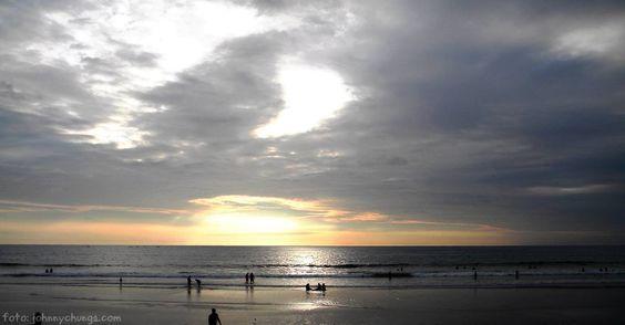 atardecer en Montañita Ecuador #montanita #playas