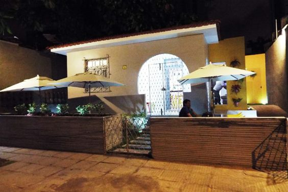 YELLOW GASTROPUB Rua Conselheiro Nabuco, 190 - Casa Amarela terça a sábado: 18h as 6h