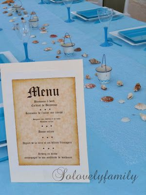 Table Coquillage baptême Mer, Bateau blanc et bleu
