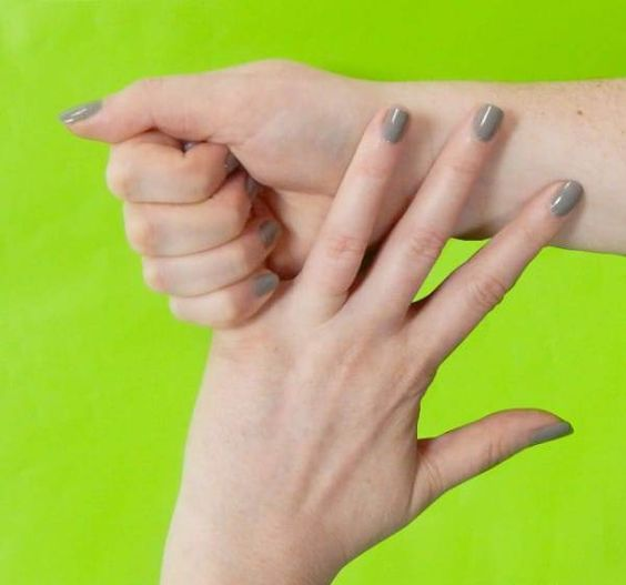 в шоке! Вот что произойдет, если вы будете 20 секунд тянуть себя за безымянный палец. Эффективность этого метода зашкаливает !