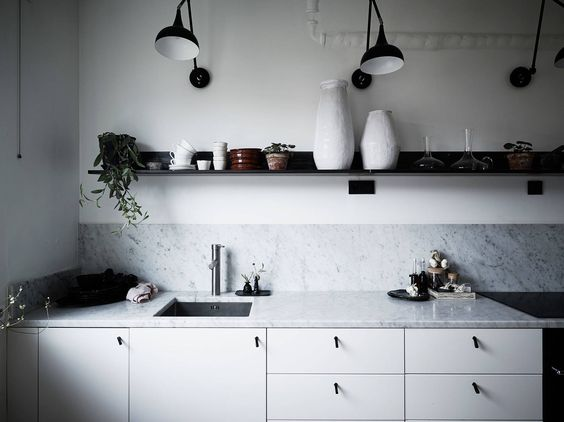 white kitchen with marble countertop in ceramist Elin Lannsjös stunning home, via http://www.scandinavianlovesong.com/