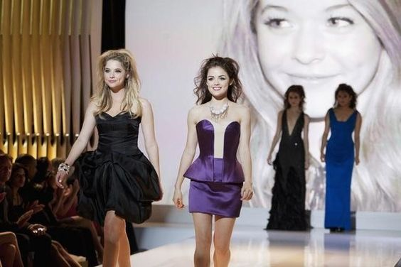 Still of Lucy Hale and Ashley Benson in Pretty Little Liars