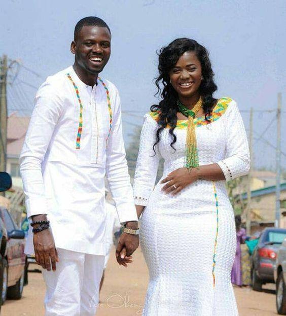 Cette tenue une belle purement main africain du couple pour toutes les occasions.  Disponible dans toutes les tailles et même même style dans des couleurs différentes.  Vous pouvez demander pour des commandes personnalisées et même les commandes en vrac.  Le tableau des tailles sont attaché à