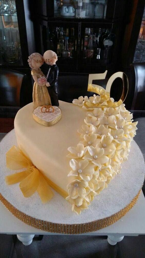 Pin By Sanet On Cake Golden Wedding Cake 50th Wedding Anniversary Cakes 50th Anniversary Cakes