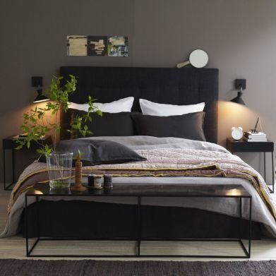 t te de lit anthracite et mur gris kaki d coration. Black Bedroom Furniture Sets. Home Design Ideas