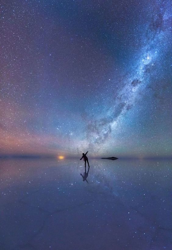 Amazing image of our universe across the world's largest salt flat, Salar de Uyuni in Bolivia.