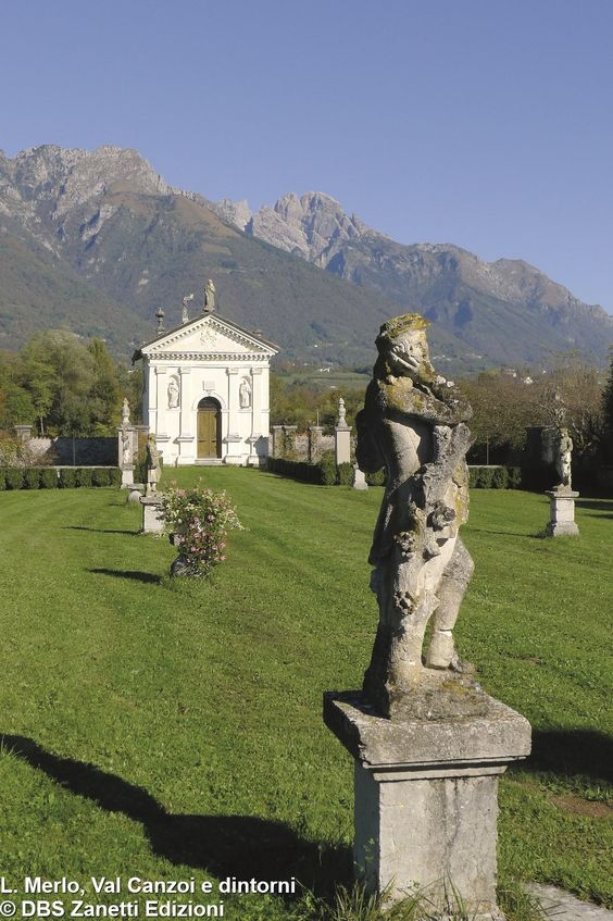 L'oratorio di San Francesco a Villa Centenere http://www.edizionidbs.it/shop/guide-e-itinerari/val-canzoi-e-dintorni-passeggiate-dolomiti/ #valcanzoi #cesiomaggiore #Dolomiti #EdizioniDBS