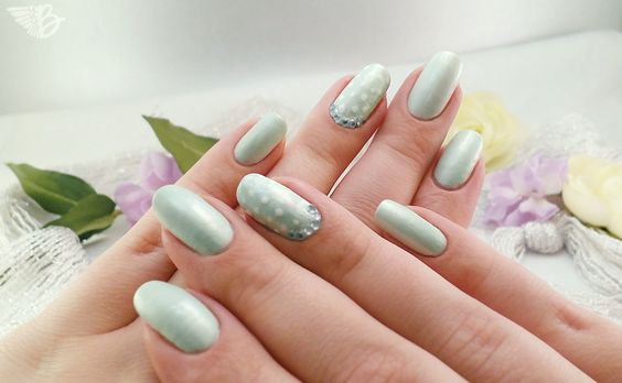 Limited Edition Catrice Creme Fresh in der Farbe: C03 Evergreen 60s   http://www.beangels-blog.de/limited-edition-catrice-creme-fresh/