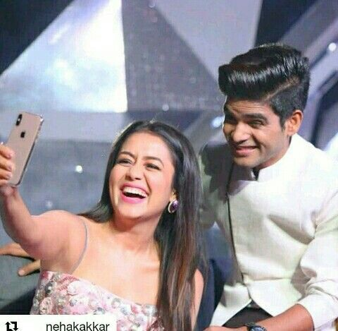 Selfie With Indian Idol 10 Winner Neha Kakkar Indian Idol Celebrity Pictures