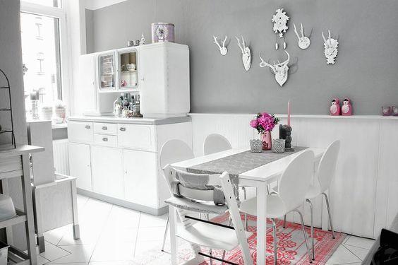 Küche - Buffetschrank - altes Küchenbuffet aufgearbeitet - Kombination zwischen ALT und NEU - Geweihe, Vintage, grau Töne - Kitchen, Wohntrends