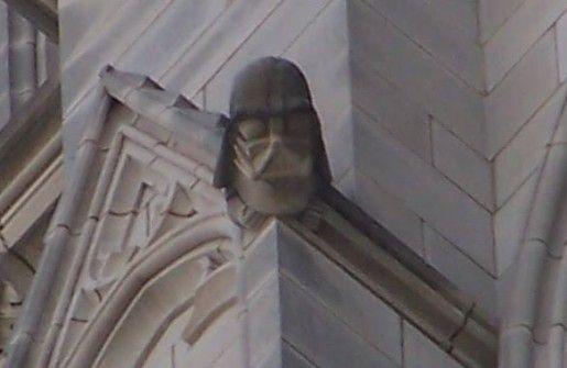 Darth Vader . Catedral nacional de Washington .EEUU, construída en 1990. Está instalado en la torre noroeste de la catedral.