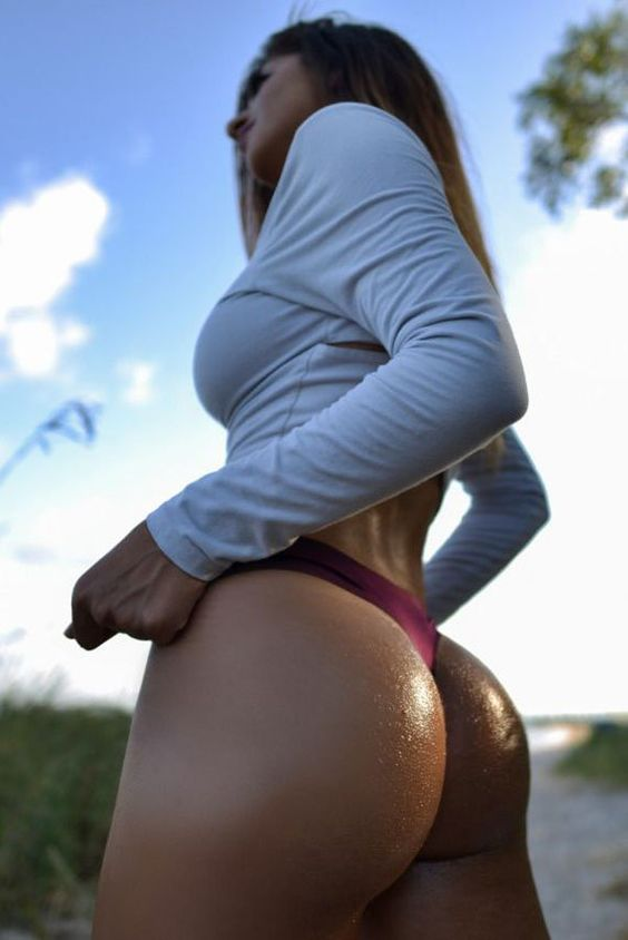 Hottest hump day photos for 2015. (38)