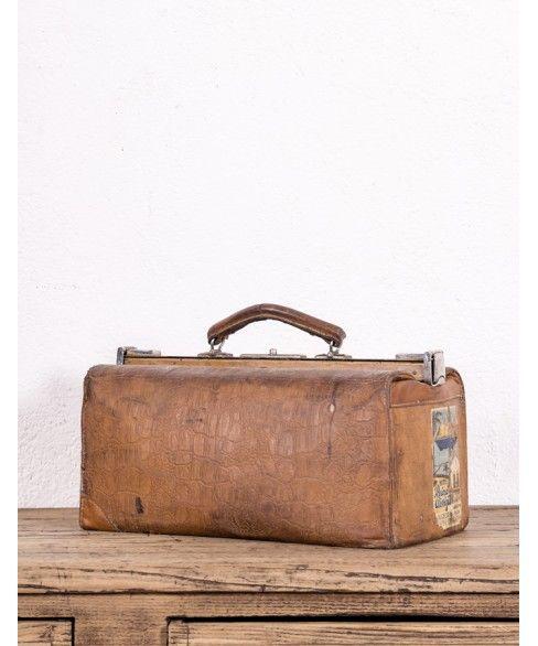 Engaño cantidad de ventas césped  Maletín De Médico #maleta #local #antiguo #diseño #tendencia #antiguedades  #maletindemedico #maletin #b… | Decoración de unas, Disenos de unas,  Antiguedades madrid