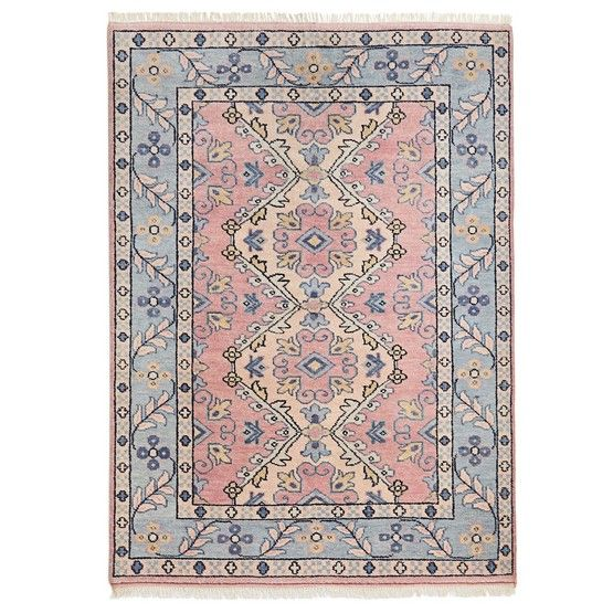 At Home In Dallas With Caitlin Wilson The Glam Pad In 2020 Versatile Rug Rugs Antique Inspiration