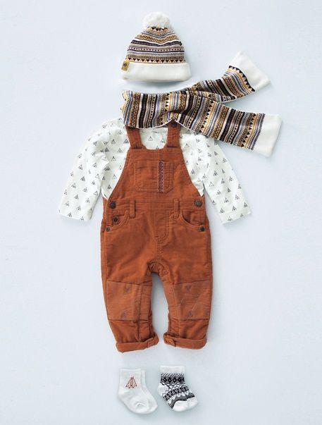 Conjunto com camisola e jardineiras, para bebé menino