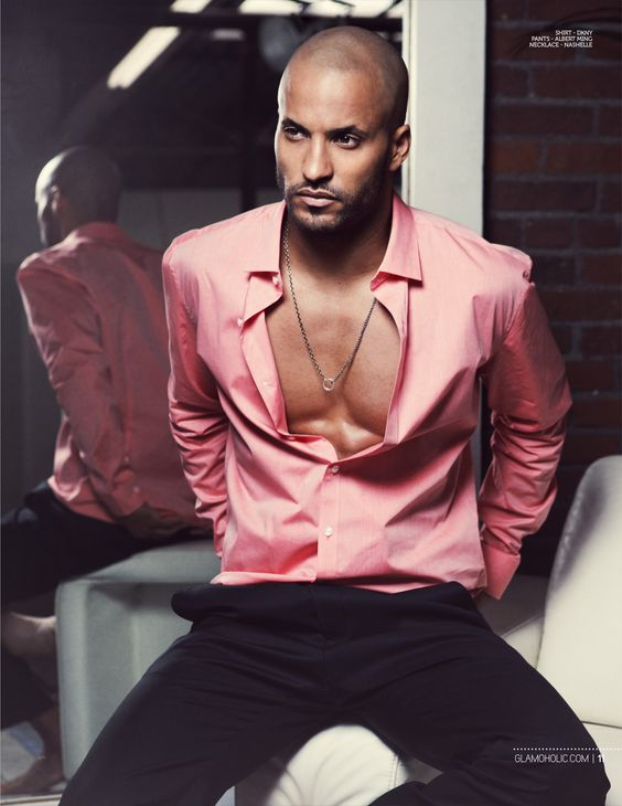 Actor Ricky Whittle was spotted wearing Nashelles Corvus 'Nash' Necklace during a photo shoot for Glamoholic!!♥ He couldn't make this necklace look any more manly, and we love the way it looks on him! ♥♥ Find your man the perfect necklace here: https://nashelle.com/shop/category/nash.-for-him