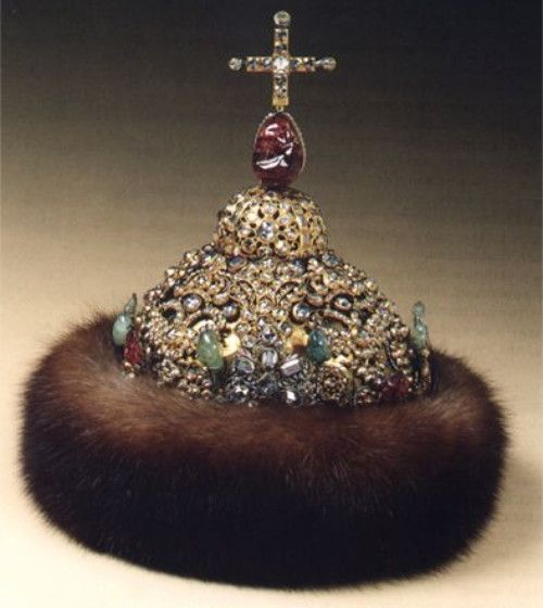 Peter diamond crown  The crown of Peter Alekseevich was executed by Kremlin jewelers. A similar crown was made for his elder brother, crowned at the same time. The decor of the crown represents specific features of Russian jewelry of the late XVIIth century