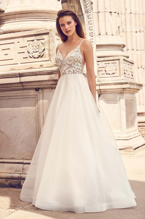Romantic Lace Bodice Wedding Dress Style 2225 In 2020 Bodice