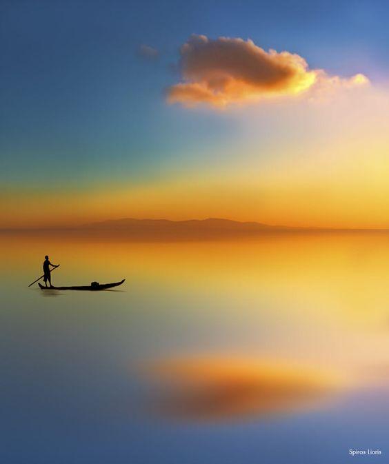 Одинокая лодка, остров Тинос, Греция