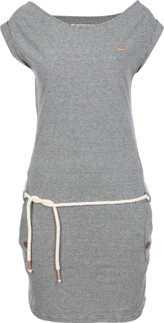 Wie wunderbar maritim ist denn bitte dieses Tag A Organic Kleid von Ragwear? Die weiche, organische Baumwolle hat hier ein grau-blaues Streifenmuster allover. Und das passt ganz hervorragend zum gedrehten Band an der Hüfte, das als Gürtel dient. Irgendwie erinnert es nämlich an ein Schiffstau (:Der taillierte Schnitt und der weite Ausschnitt versorgen dich mit einem Look, der deine weibliche Seite optimal zur Geltung bringt!- feminines Streifenkleid- organische Baumwolle- weiter…