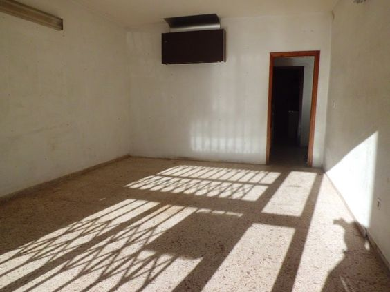 Locale in Benidorm, Please click visit site to find out more information on this property.