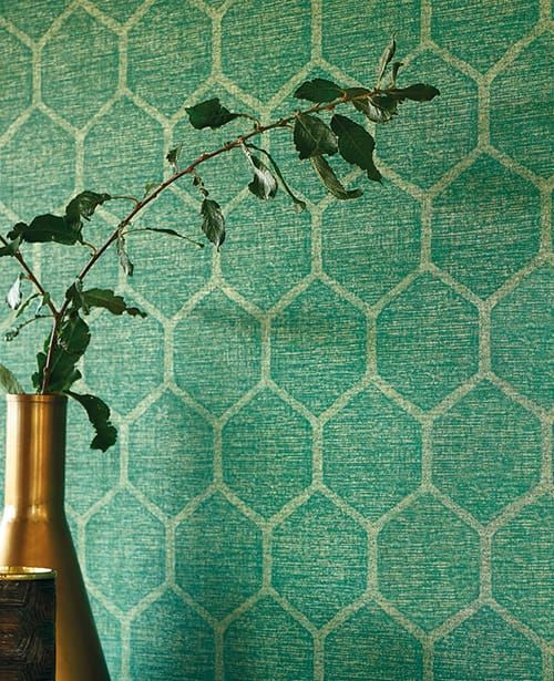 Stofflich In Muster Und Struktur Tapete Emerson Grun Von Casadeco Tapete Grun Tapeten Stoff Turkis