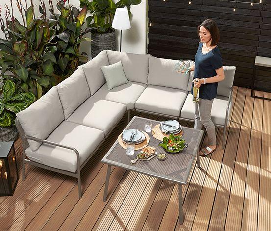 19 990 Kc Tato Zahradni Lounge Sada Je Idealni Volbou Na Prijemne Posezeni Na Terase Sada Peti Silnych Sedaku A Pet Outdoor Lounge Mobel Lounge Mobel Lounge