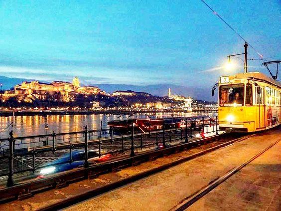 Instagram: @virandogringa visite http://ift.tt/1QAWdV0  Budapest is a city of wonderful views nice food nice people really miss my time there! #budapest #hungary Budapeste é uma cidade de vistas lindas boa comida  gente simpática muito para ver saudade das minhas viagens pra lá! #budapeste #hungria #viagem #mochilao #backpacking by virandogringa