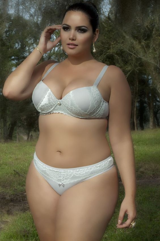 hot plus size models mature