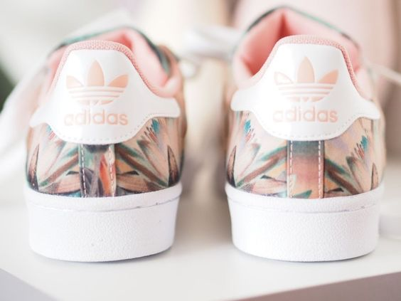 Adidas original superstar rose imprimé fleur