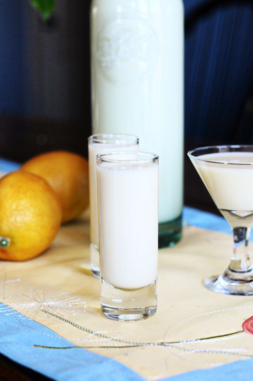 Homemade creamy limoncello recipe homemade drinks and for Cocktail limoncello