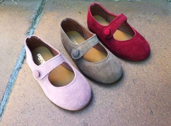 Nuestras nuevas merceditas de varios colores para tu niña. #Chuches #shoes #shoeschuches #shoeskids #Kids #CalzadoChuches #Niñas #Colores